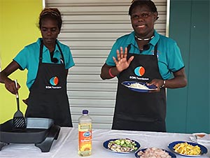 Eningaba Aninga! - Yirruwa yirridakinama chicken curry